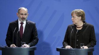 Berlino, Angela Merkel riceve il primo ministro dell'Armenia, Nikol Pashinyan (LaPresse)