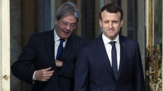 Paolo Gentiloni ed Emmanuel Macron (LaPresse)