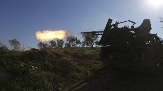 Un combattente filo turco a Idlib (LaPresse)