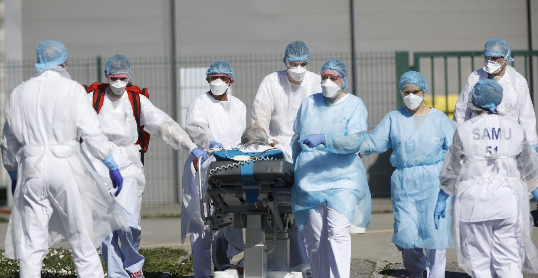 Strategie sbagliate e troppo lassismo: il Covid travolge (di nuovo) la Francia