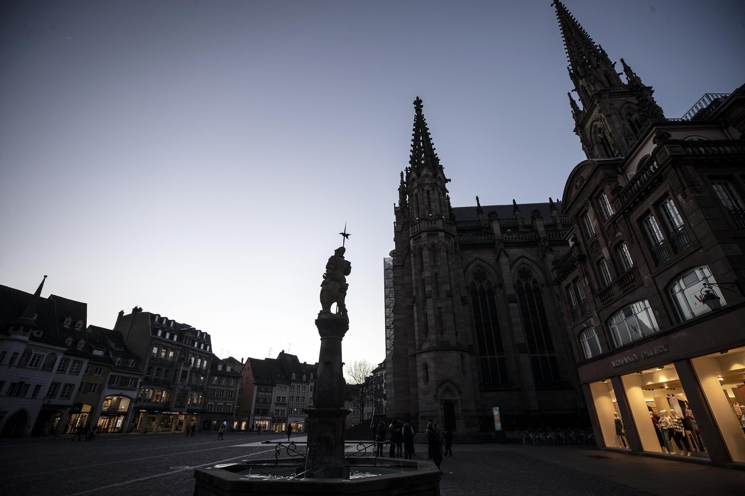 Le chiese evangeliche fioriscono nei sobborghi di Parigi