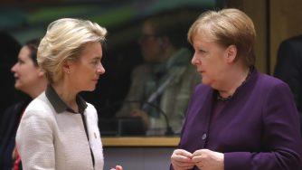 Ursula von der Leyen e Angela Merkel (LaPresse)