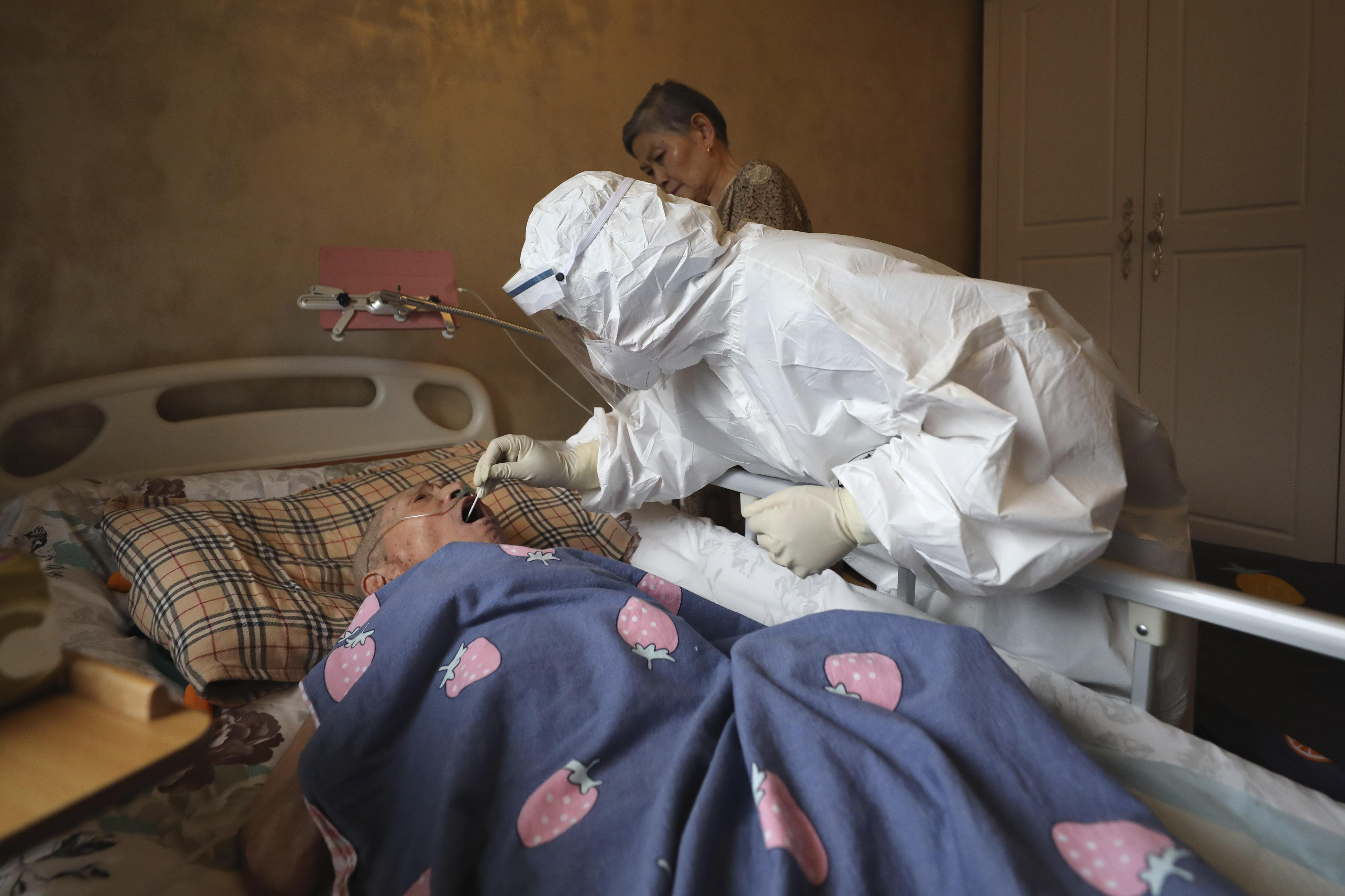 """""""Virus nato a Wuhan"""": la verità sulla dottoressa cinese"""