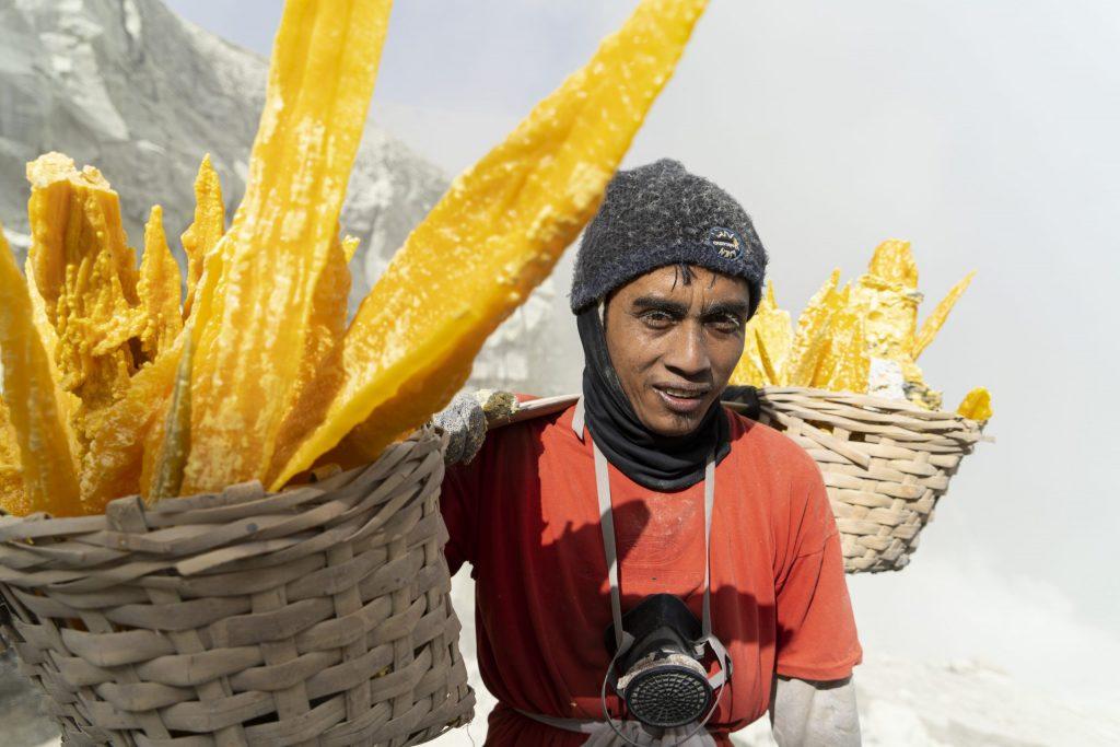 Indonesia, Edward Crawford. Dal reportage 'Lo sfruttamento felice'