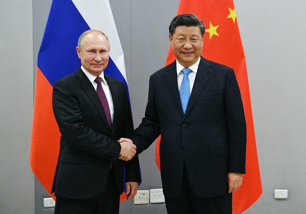Russia e Cina, quasi amici. II due Paesi hanno importanti rapporti politici e diplomatici. E gli Stati Uniti temono sempre di più il rinsaldarsi di questa alleanza