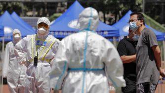 Cina, mercato di Zinfadi a Pechino nuovo focolaio di coronavirus