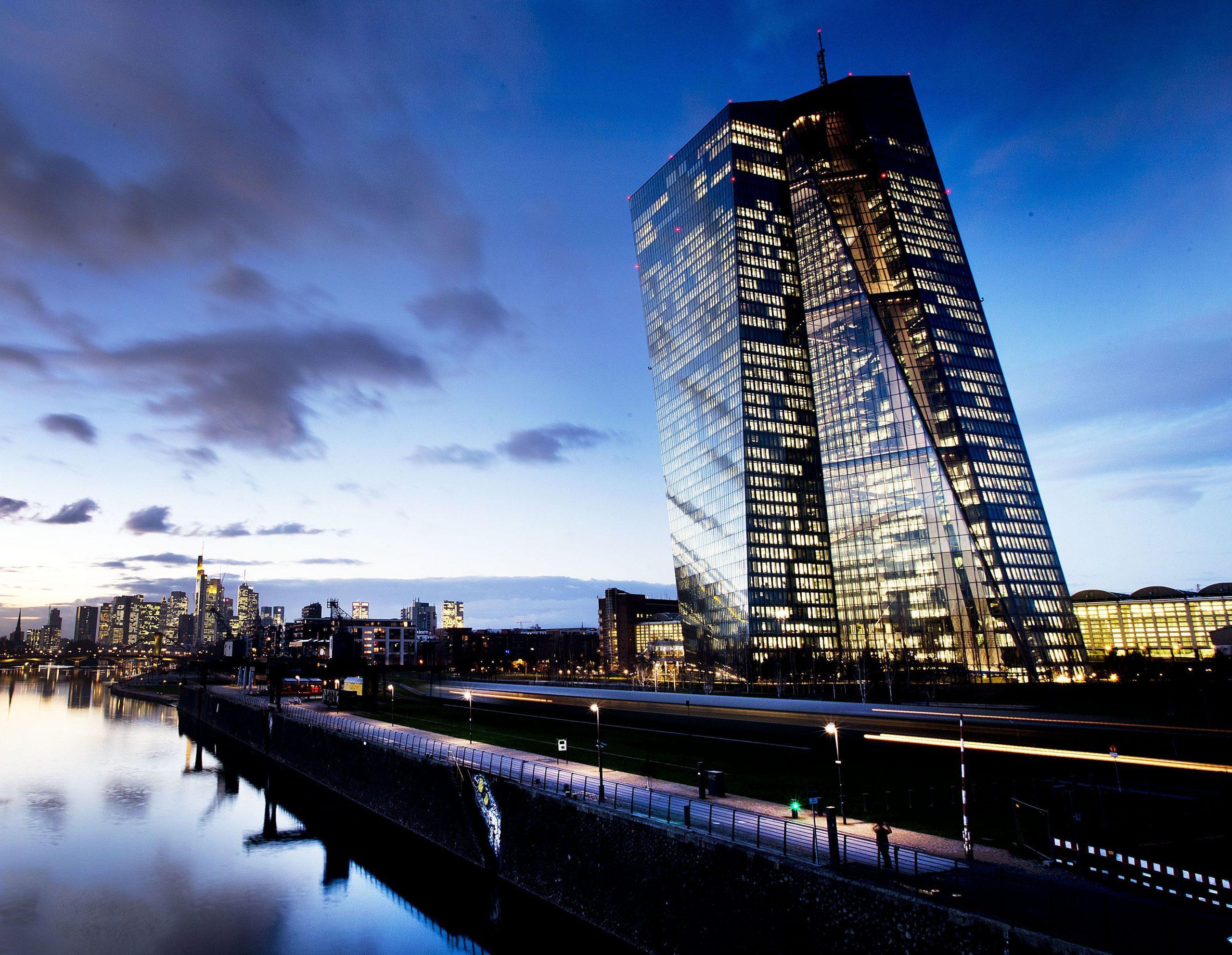 """La Bce sta """"cancellando"""" i debiti dei Paesi dell'Ue?"""