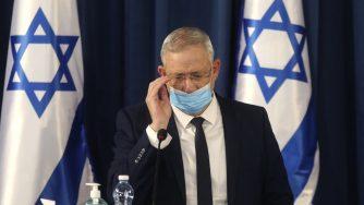 Coronavirus, Benjamin Netanyahu durante la riunione settimanale di Gabinetto a Gerusalemme