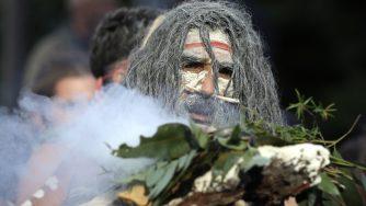 Australia, aborigeno protesta (La Presse)