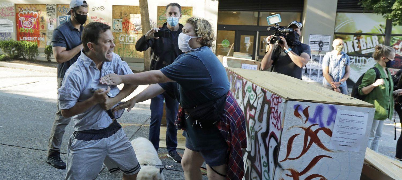 Il collasso delle zone occupate dai manifestanti antirazzist