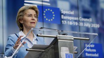 Bruxelles, Consiglio Europeo: c'è l'accordo sul Recovery fund Ursula von der Leyen