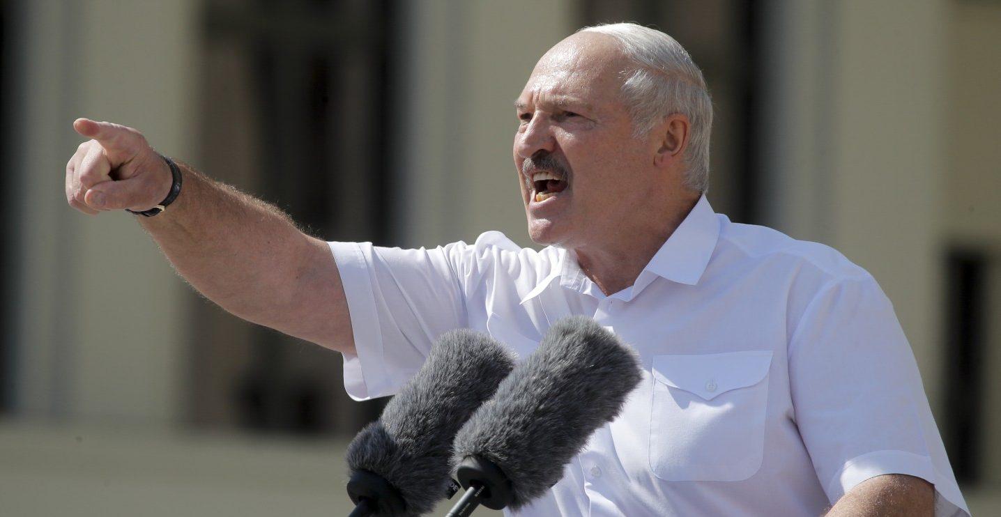 Gli occhi di Lukashenko sugli S 400