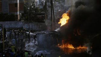 Nigeria, fiamme (La Presse)