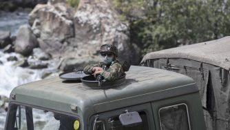 India soldato in Kashmir (La Presse)