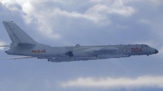 Bombardiere cinese H-6 (La Presse)