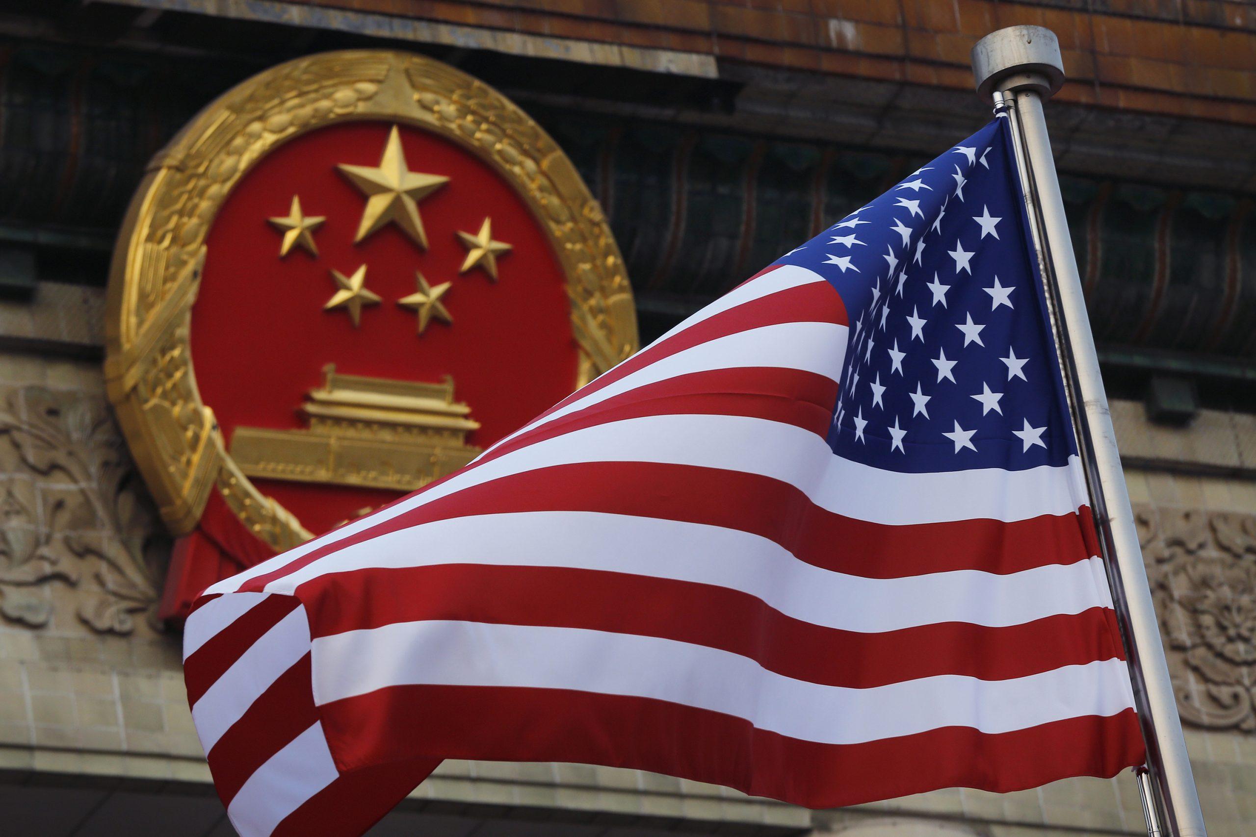 Cina e bandiera degli Stati Uniti (La Presse)