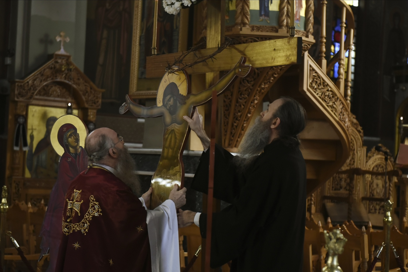 Il premier russo sul Monte Athos: missione o pellegrinaggio?