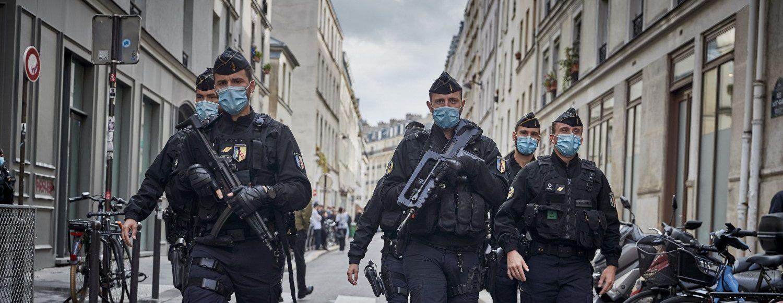 L'attentato contro l'ex sede di Charlie Hebdo, spiegato