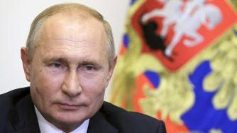 Vladimir Putin in videoconferenza con il sindaco di Mosca Sergei Sobyanin
