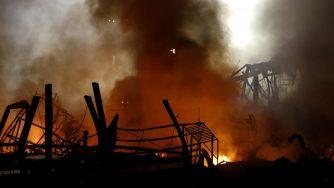Libano, nuovo gigantesco incendio al porto di Beirut (La Presse)