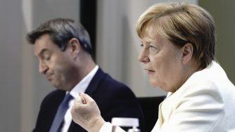 Merkel lancia un nuovo allarme: a dicembre la Germania (La Presse)