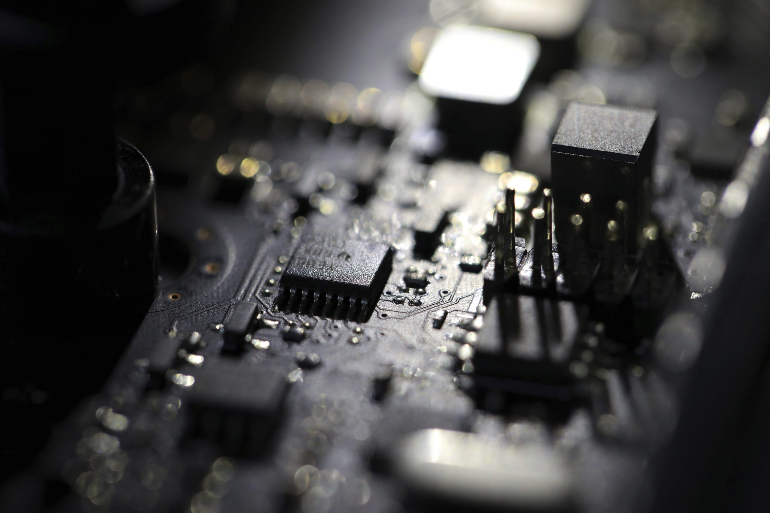 Dai cavi ai chip: l'asse tecnologico Italia Usa prende forma