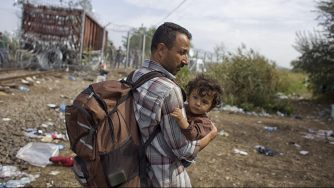 Ungheria, migranti cercano di raggiungere la Germania