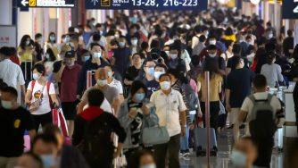 Coronavirus aeroporto mascherine (La Presse)