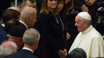 Joe Biden e Papa Francesco (La Presse)