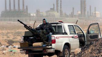 Libia, combattenti nel deserto (La Presse)