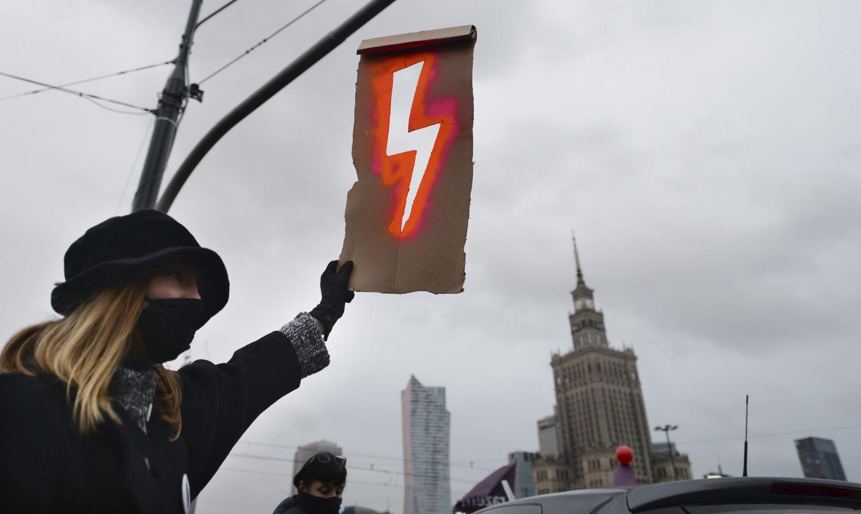 Aborto in Polonia, adesso interviene l'Unione europea