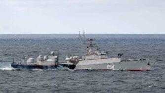 Russia, esercitazioni della Marina (La Presse)