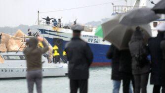 Pescatori sequestrati in Libia tornano a Mazara (Fotogramma)