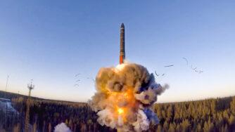 Russia, esercitazioni con lancio di missile (La Presse)