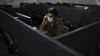 Soldato Israele coronavirus (La Presse)