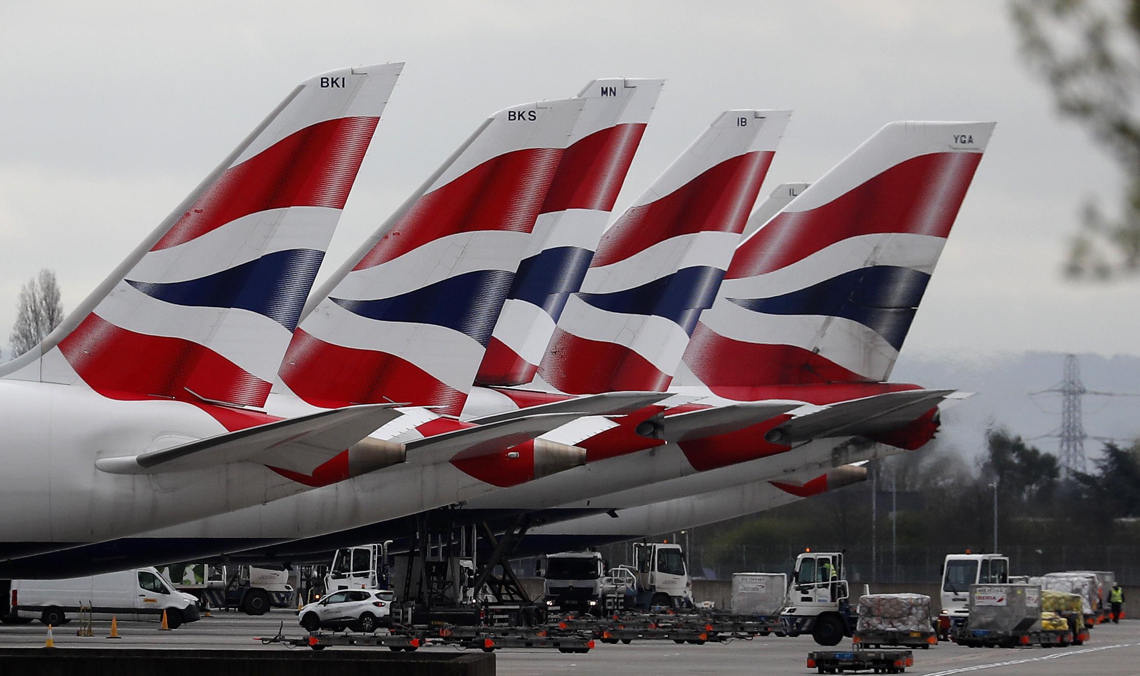 L'Italia blocca i voli da Londra (ma fino a oggi non controllava gli scali)