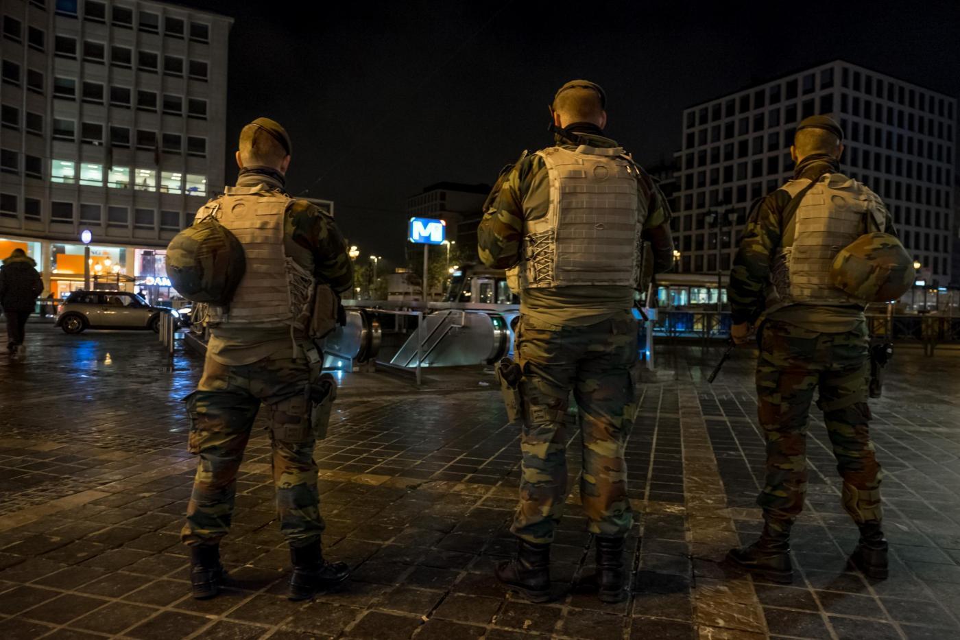 Bruxelles in fiamme: esplode la rivolta delle periferie