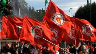 Bandiere partito comunista (Fotogramma)