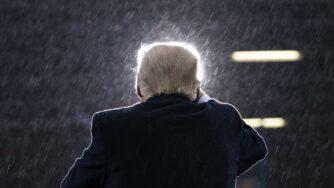 Donald Trump speaks in the rain (la Presse)