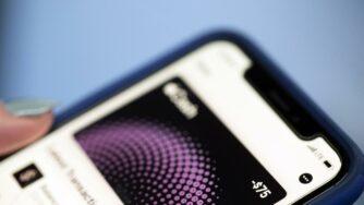 Pagamento app smartphone (La Presse)