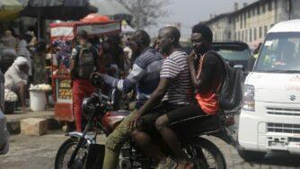 Uomini in Nigeria (La Presse)