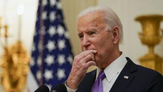 Washington, Biden firma nuovi ordini esecutivi (La Presse)