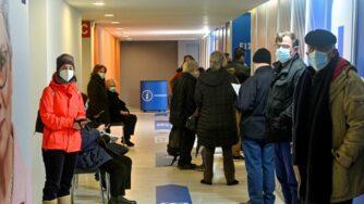 Covid, vaccinazioni in Grecia (Getty)