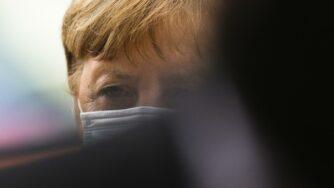 Germania, Angela Merkel fa marcia indietro sul lockdown di Pasqua (La Presse)