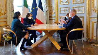 Lorenzo Guerini e Florence Parly in Francia (La Presse)