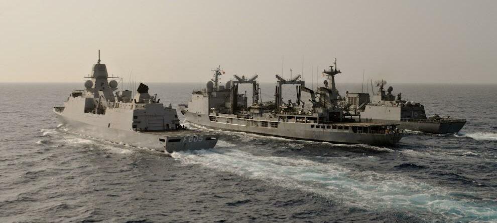 Navi nel Golfo di Aden La Presse)
