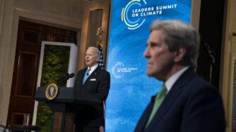 Joe Biden e John Kerry (LaPresse)