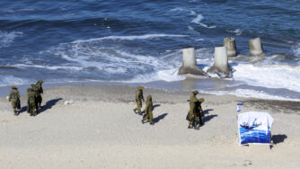 Gaza, esercitazione militare dei militanti palestinesi (La Presse)