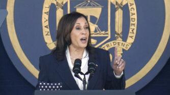 Usa, Kamala Harris alla cerimonia di laurea dell'Accademia Navale ad Annapolis (La Presse)