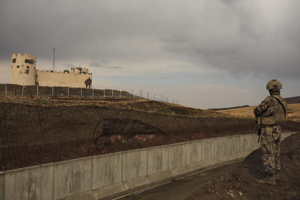 Van, muro in costruzione tra Turchia ed Iran